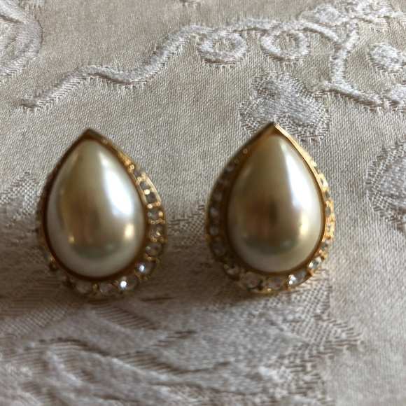 Vintage Jewelry - Faux Mabe pearls